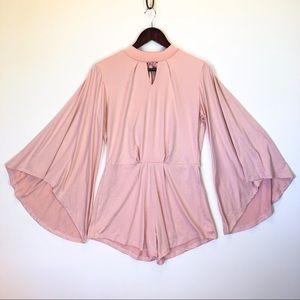 Pants - 🎀baby pink wide sleeve keyhole romper🎀